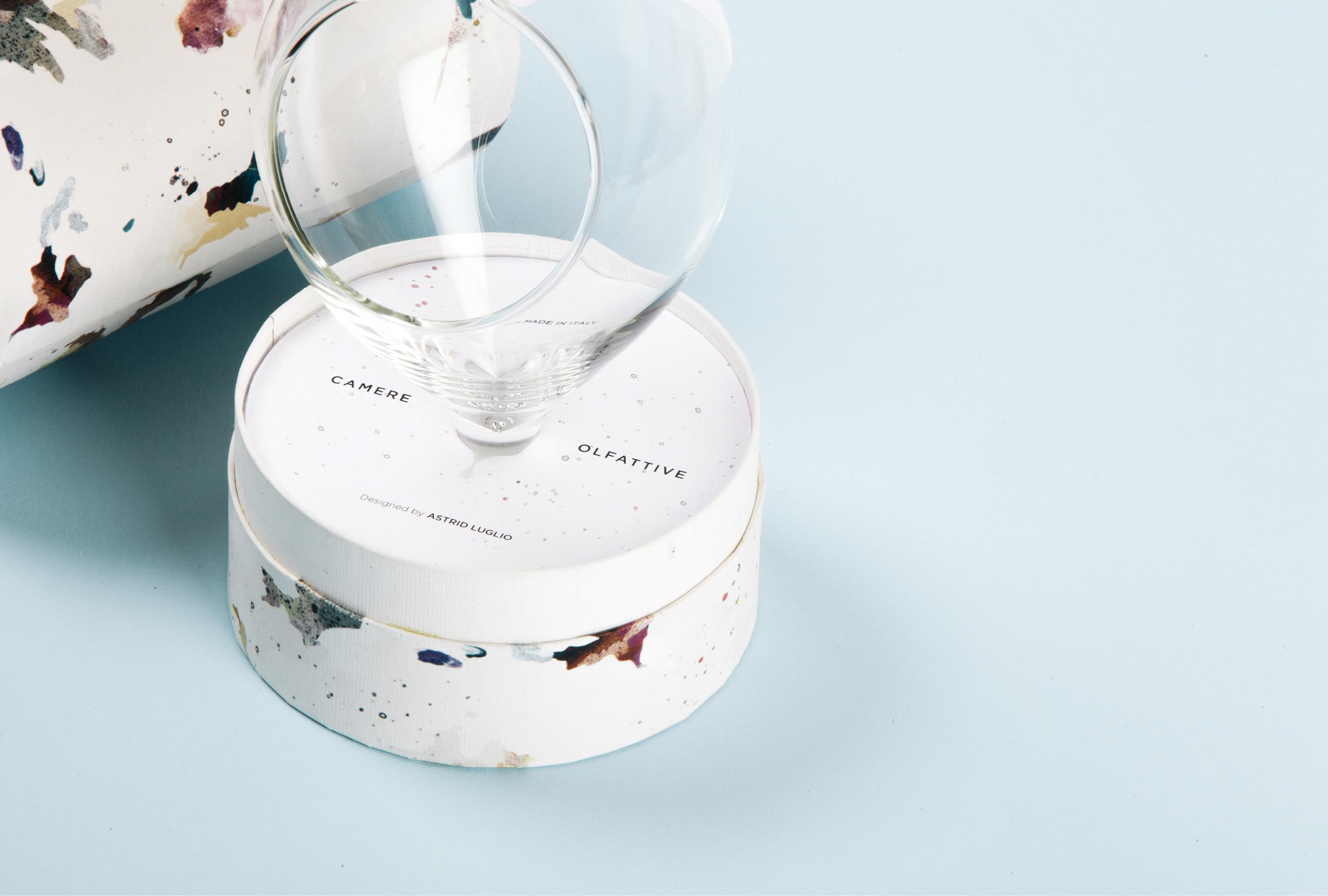 Packaging Camere Olfattive-包装可以识别一些香味醋,雾化油,酒和威士忌污渍---酷图编号1199405