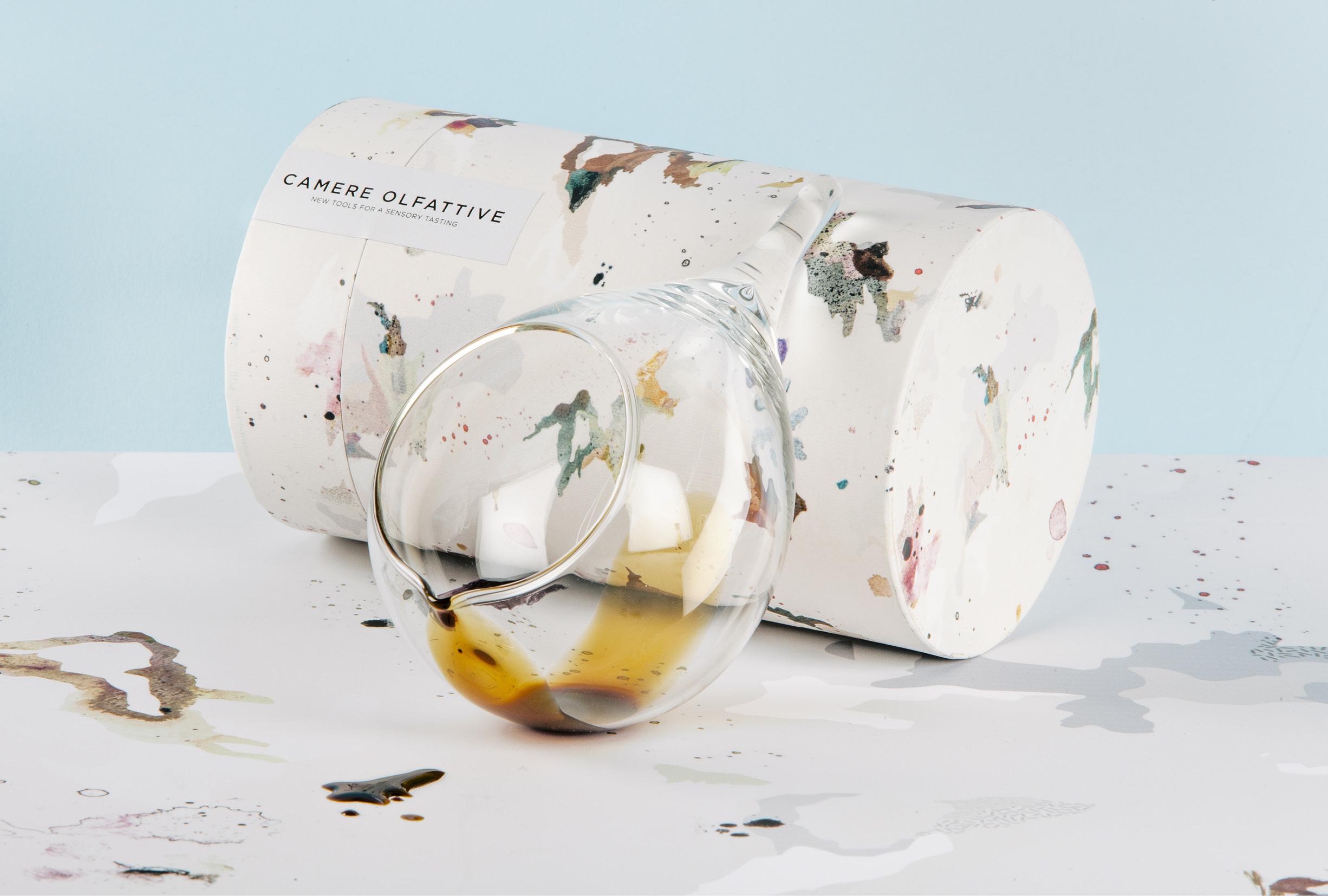 Packaging Camere Olfattive-包装可以识别一些香味醋,雾化油,酒和威士忌污渍---酷图编号1199406