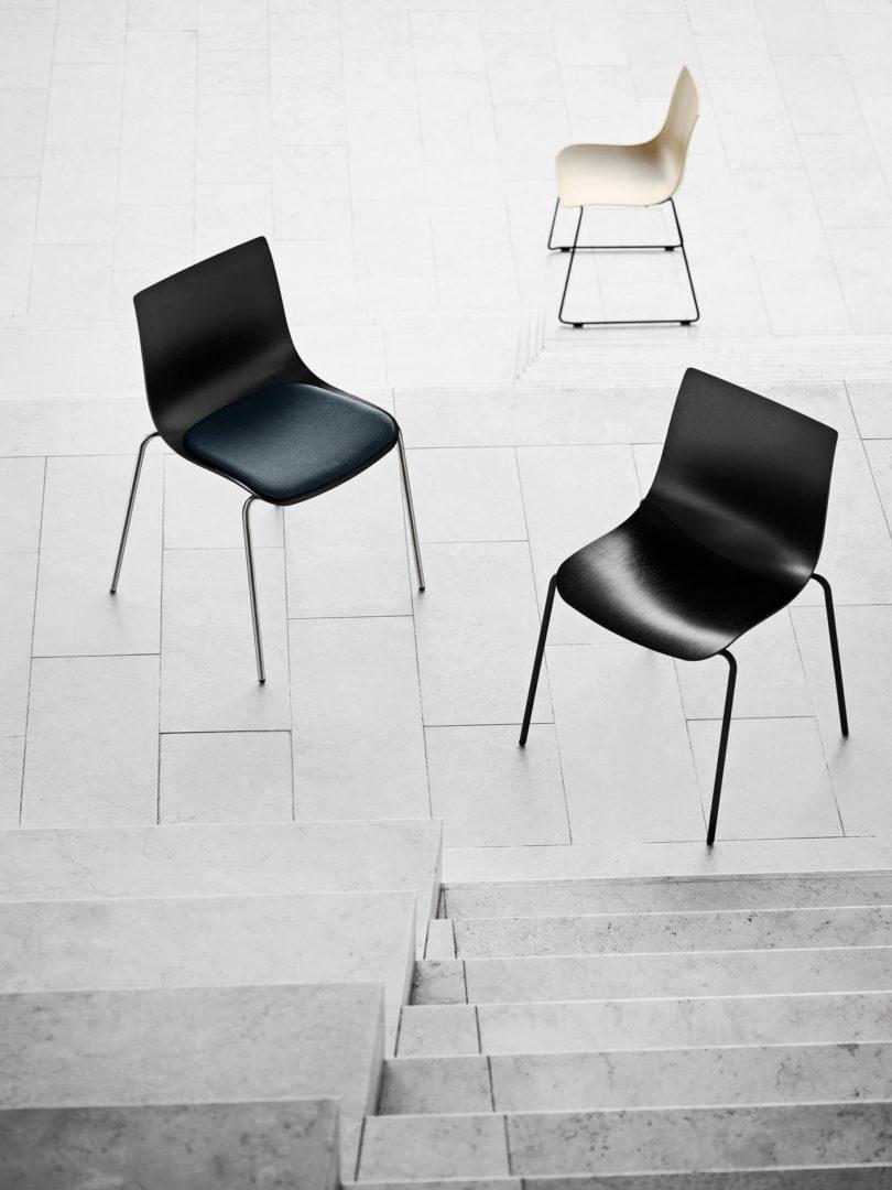传奇的丹麦品牌Carl Hansen&Søn第一次与美国设计师Brad Ascalon合作发布了110年历史上的椅子---酷图编号1210873