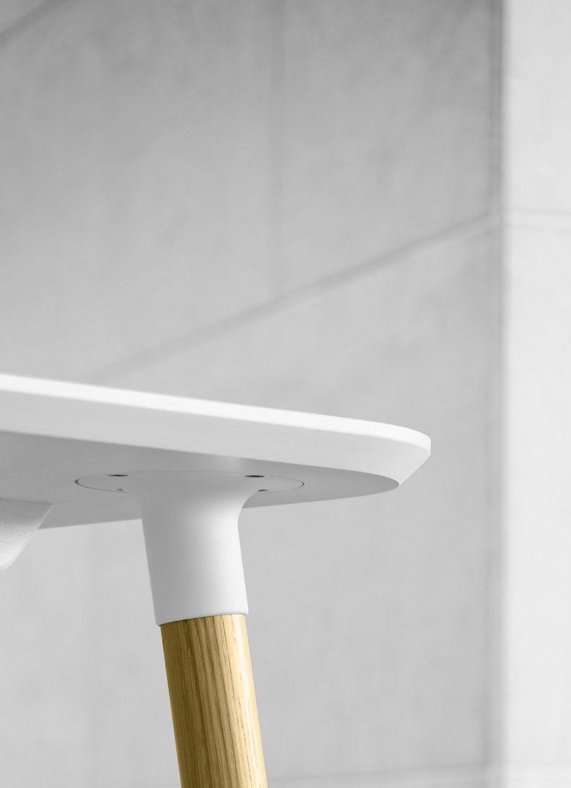 传奇的丹麦品牌Carl Hansen&Søn第一次与美国设计师Brad Ascalon合作发布了110年历史上的椅子---酷图编号1210876