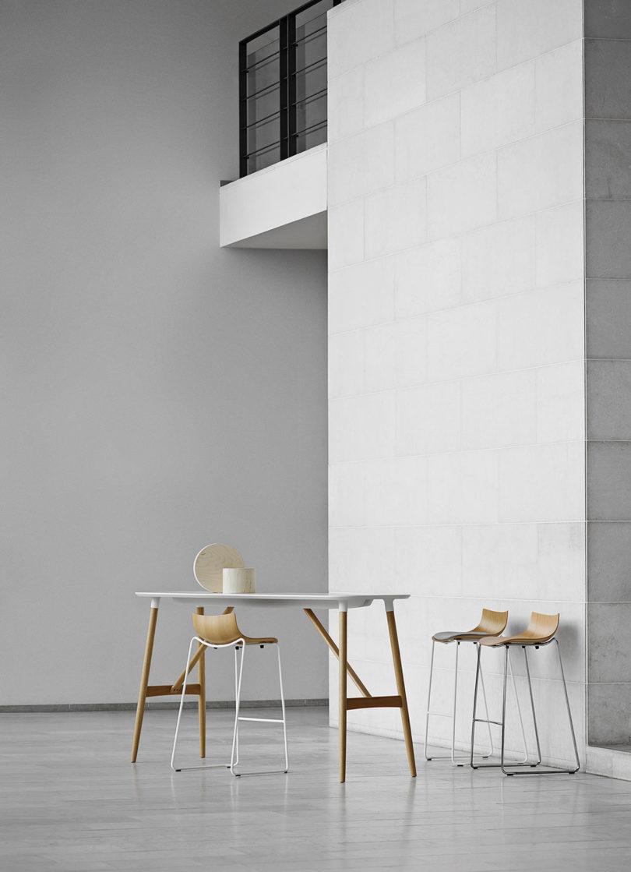 传奇的丹麦品牌Carl Hansen&Søn第一次与美国设计师Brad Ascalon合作发布了110年历史上的椅子---酷图编号1210877