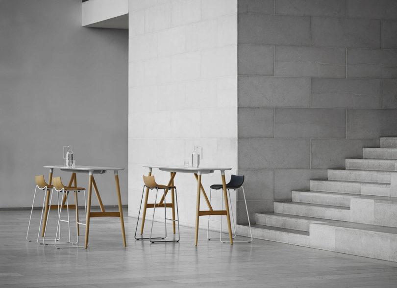 传奇的丹麦品牌Carl Hansen&Søn第一次与美国设计师Brad Ascalon合作发布了110年历史上的椅子---酷图编号1210879