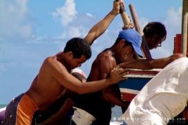 巴西东北部(塞阿拉州)渔民捕鱼工作场面摄影欣赏