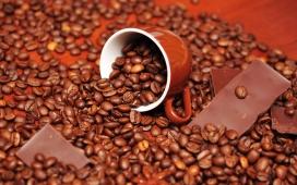 2011高清晰新年浪漫咖啡心形巧克力摄影图片