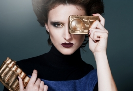 意大利Eastern Europe revised80年度的时尚女人影像