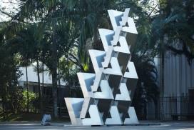 巴西MUBE博物馆-Metal QuaDror公园建筑雕塑标志设计-高5米,1.5吨的金属雕塑