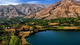 高清晰伊朗ovan火山湖自然景观