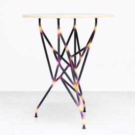 伊斯坦布尔设计双年展-金属接头分支状的家具
