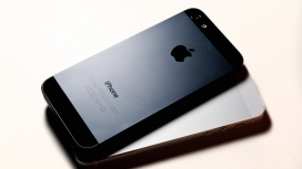 高清晰苹果黑色iPhone5后壳壁纸