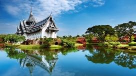 青山碧水的中国美丽园林建筑