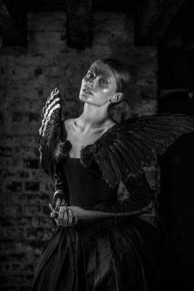 时尚Noir-芬兰赫尔辛基Maria Baranova人像摄影师作品