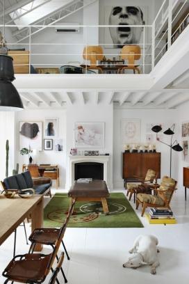 开放式概念室内建筑设计理念-鲜明的家具,增强了视觉效果,是典型的当代空间与阳台的结合设计