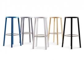 意大利制造商在米兰推出的不锈钢脚踏板可堆叠木凳子-日本工业设计师Naoto Fukasawa深泽直人作品