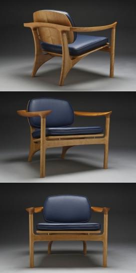 The Social樱桃木质真皮坐垫扶手椅