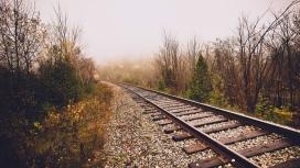 晚秋中的铁路
