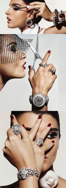 https://www.2008php.com/Vogue巴黎-复古不失清新和现代高级珠宝写真图像