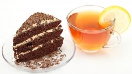 巧克力蛋糕和柠檬茶