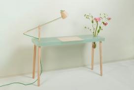 白蜡木玻璃写字台-带台灯花瓶-荷兰Roel Huisman设计师作品