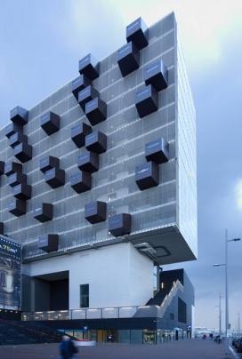 https://www.2008php.com/荷兰鹿特丹Schiecentrale11层高的大楼