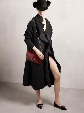 Lanvin Pre2014春装秀-皮草点缀外衣,男装灵感元素,燕尾服外套或软呢帽,浮皱褶细节和喇叭裙,呈现一幅一个奢华的日装