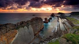 漂亮的海岸线壁纸