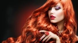 橙色头发美女
