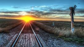 光芒四射的铁路