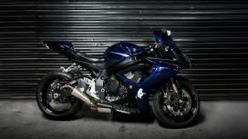 蓝色铃木GSX R1000摩托车跑车壁纸