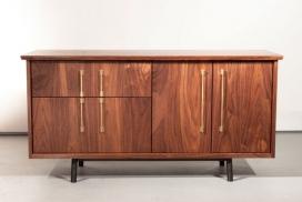 简单优雅的The TOKEN美国硬木餐具柜设计-为用户提供了一种精密水准的清洁和复杂解决方案,可以进行定制,以适应在家中或办公室的各种用途