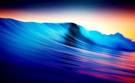 波涛汹涌的彩浪