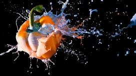 https://www.2008php.com/扔进奶花的辣椒壁纸