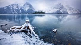 加拿大卡纳纳斯基斯雪山湖