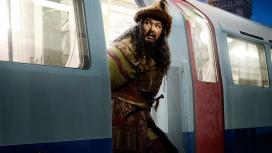"""列车上的""""乞丐""""-高清晰奇幻电影-博物馆奇妙夜3:墓葬秘密剧照壁纸下载"""