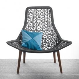 西班牙设计师帕特里夏・奥奇拉的家具作品-采用航海绳索和柚木做成的腿,收集包括四个扶手椅,两只脚凳,一双沙发,一个鸡蛋形状的秋千椅,酒吧椅和一张桌子。