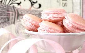 高清晰美味可口的彩色马卡龙饼干食品壁纸下载