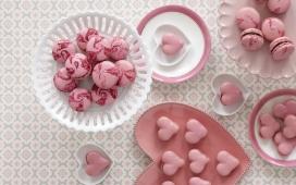 高清晰粉红色心型马卡龙唯美壁纸下载