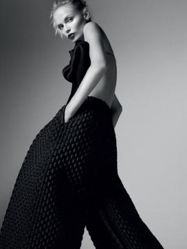 娜塔莎・波利-VOGUE时尚俄罗斯2015年4月-华丽的时装秀