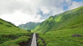 https://www.2008php.com/日本十和田八幡平绿丘陵壁纸
