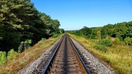 高清晰绿色铁路壁纸