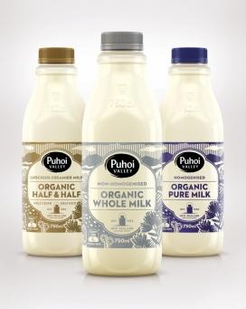 https://www.2008php.com/Puhoi有机牛奶包装设计-一个有趣的故事。用传统的木刻版画创建自然原生插图,旨在传达波希米亚社区遗产精神。调色板很微妙柔和,主要描绘Puhoi有机牛奶是优质奶产品