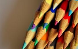 高清晰五彩铅笔微距壁纸图集下载