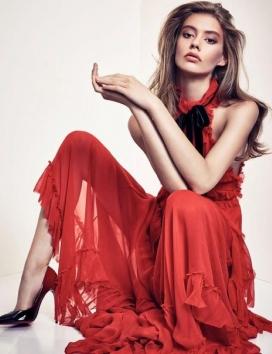安迪莉亚・哈丁-VOGUE时尚中国2015年12月-女性化的优雅