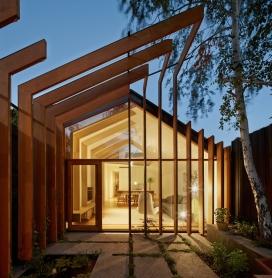 十字绣的木质房子