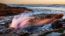 咆哮的海浪壁纸
