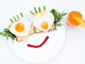 可爱的鸡蛋早餐拼图