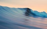 滚动波海浪