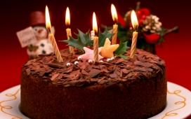 高清晰漂亮的巧克力圣诞蛋糕壁纸