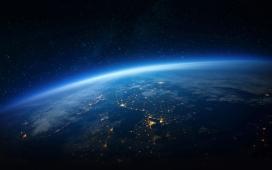 https://www.2008php.com/完美的蓝光地平线