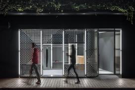 上海市20平米的圆孔时装店