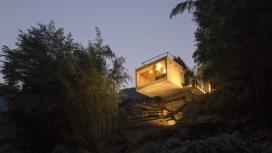 自然漂浮的钓鱼空间小屋-六米悬臂岩石上的房子